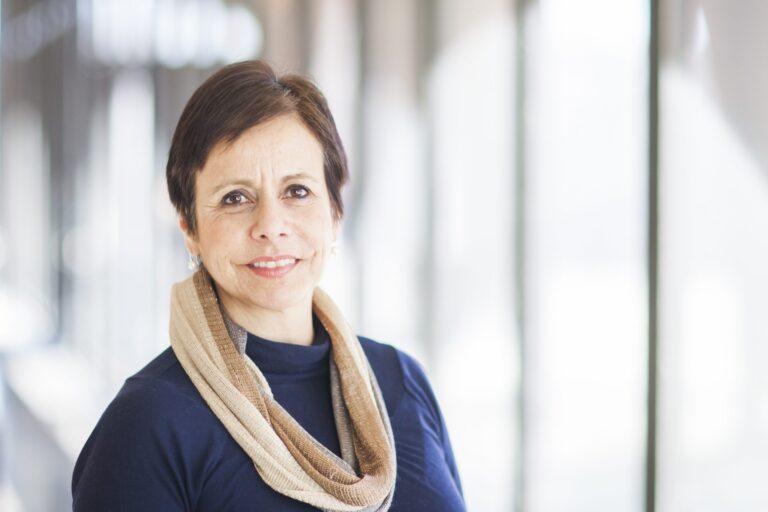 Isabel Larraza featured image background