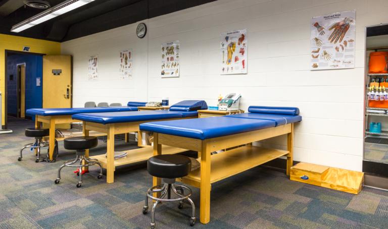 North Park University and UIC Partner on Athletic Training Program Admissions featured image background